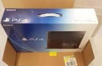 Sony PS4 500GB Console with 2 Controller